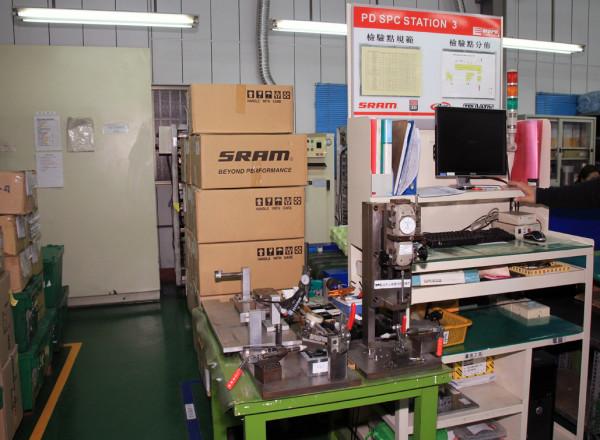 SRAM Taiwan Factory Tours Suspension Shifters Derialleurs Carbon production081