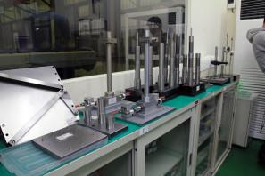 SRAM Taiwan Factory Tours Suspension Shifters Derialleurs Carbon production099