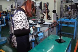 SRAM Taiwan Factory Tours Suspension Shifters Derialleurs Carbon production109