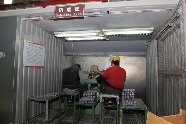 SRAM Taiwan Factory Tours Suspension Shifters Derialleurs Carbon production123