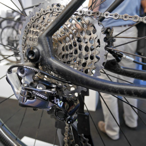 AX-Lightness_VIAL-Evo-XC_light-carbon-cross-country-hardtail_driveside-dropout