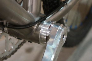White Industries Engin Cycles Paragon Machine works t41 threaded press fit bottom bracket-15
