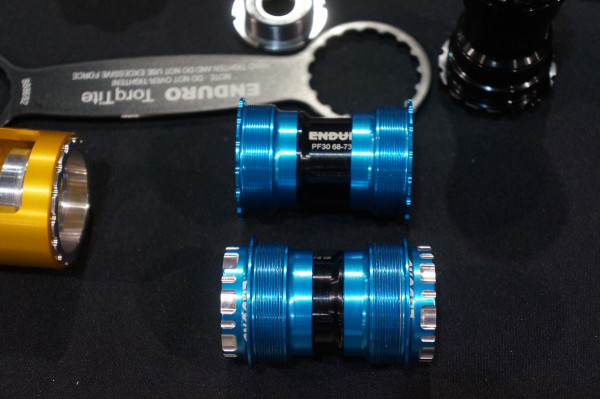 White Industries Engin Cycles Paragon Machine works t41 threaded press fit bottom bracket-28
