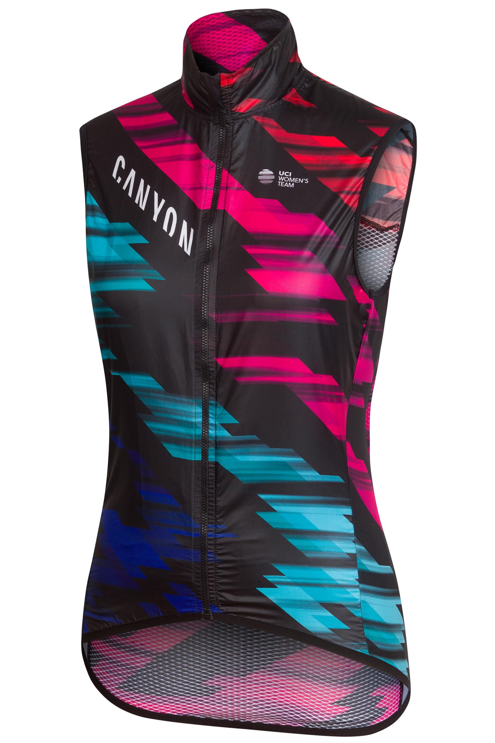 Rapha dishes out premium women s pro Canyon  SRAM replica kit ... 78d83c515