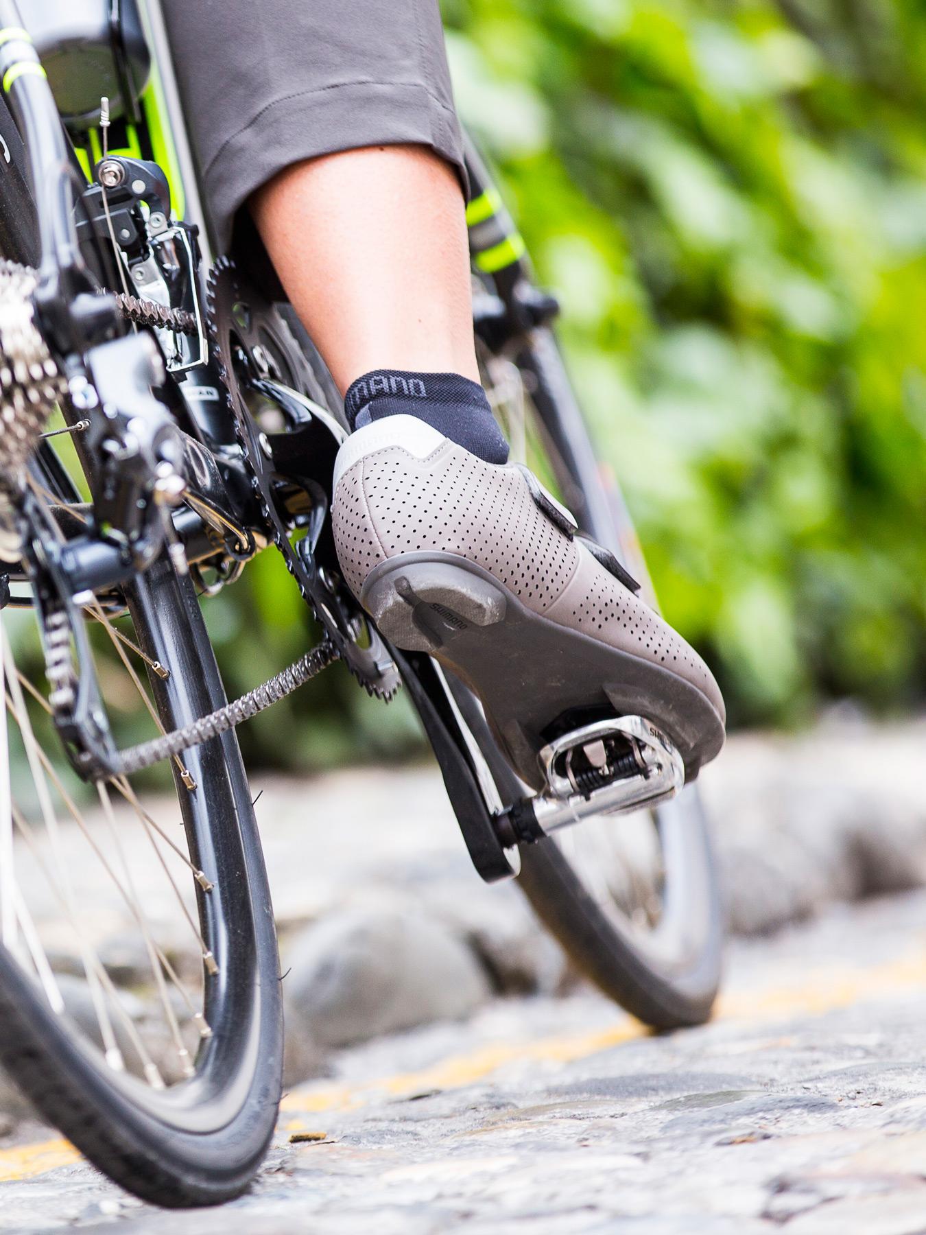 Shimano Explorer-Transit clothing-urban-touring-riding-gear RT5-shoes-riding  ... f945015fb