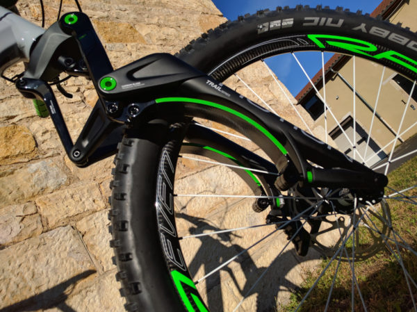 motion-france-suspension-fork-anti-dive-damped-carbon-blade-travel-adjust-4