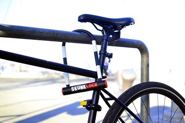 Skunk Lock on bike in rack