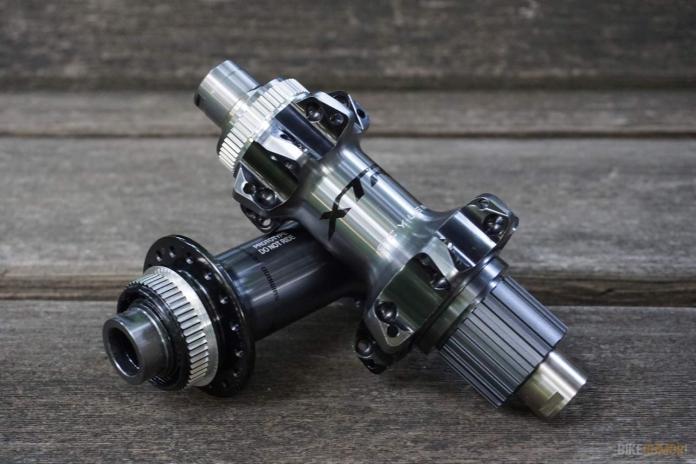 2019 shimano xtr m9100 rear hub with micro spline and scylence freehub mechanism eliminates the noise while coasting