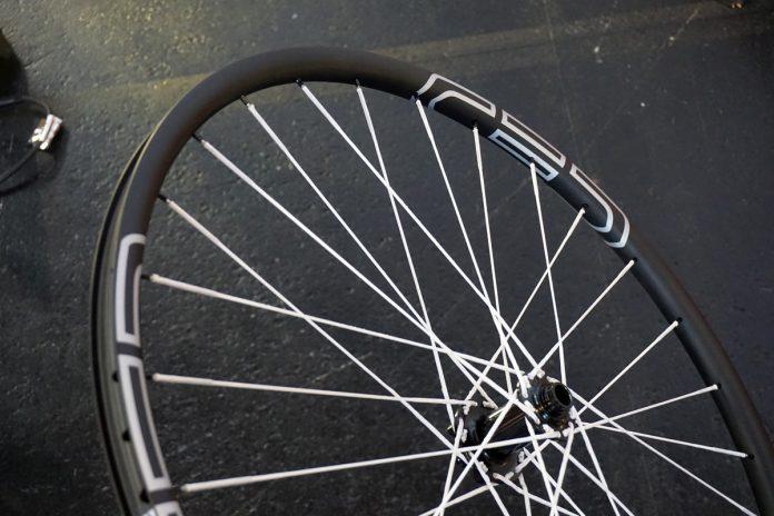 CEC carbon fiber 29er XC mountain bike wheels with Berd Spokes Dyneema fiber spokes