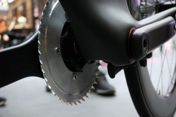 ceramicspeed concept drivetrain with shaft drive and flat cassette
