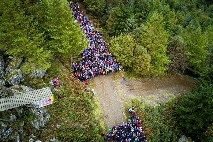 Red Bull Hardline 2017 Road Gap Jump Dan Atherton Dyfi Valley Wales Downhill Mountain Bike Race