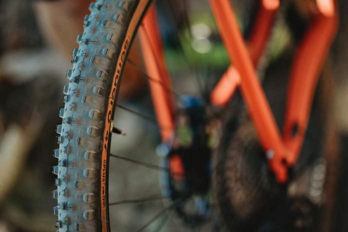 WTB Sendero 47mm & Venture 47mm high-volume aggressive gravel bike off-road Road Plus gravel tires knobby tread