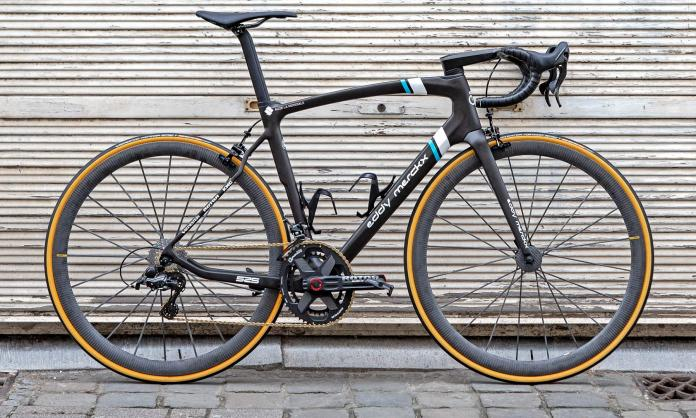 2019 Eddy Merckx EM 525 aero carbon road race bike AG2R