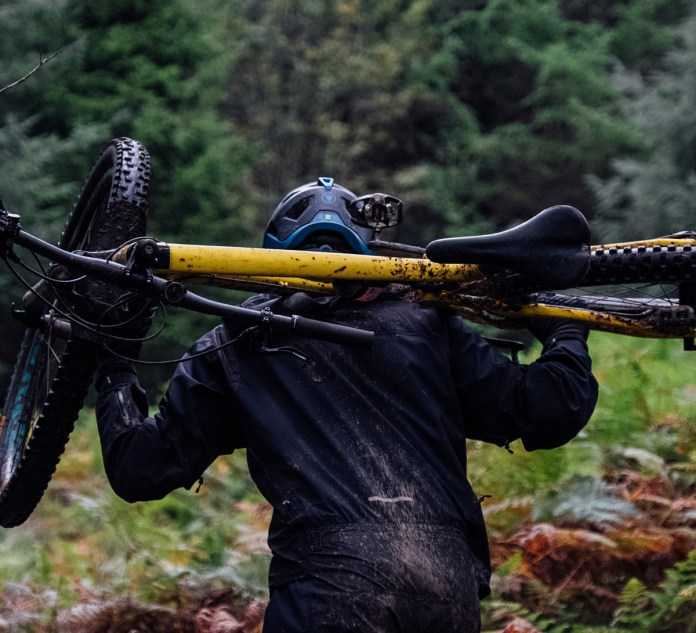 Endura MT500 waterproof rain suit Danny MacAskill (12)