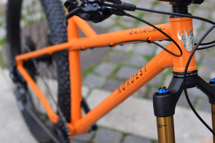 Nordest Cycles custom paint Nordest Bardino orange 79er monster enduro all-mountain hardtail