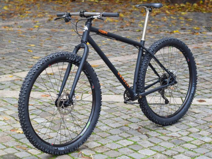 Nordest Cycles custom paint Nordest Sardinha blacked-out fully rigid trail 29er mountain bike
