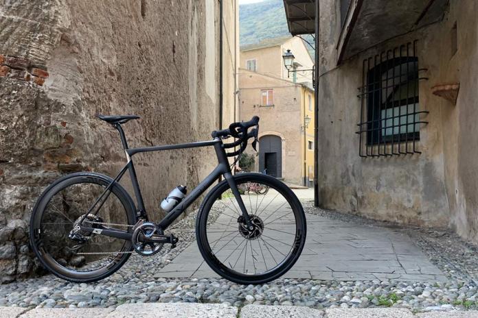 2018 Bikerumor Editors Choice road bike of the year is the custom carbon monocoque exept all road bike