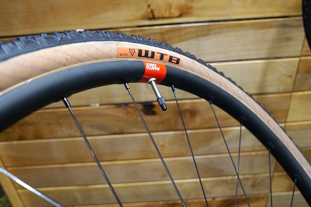 Santa Cruz Reserve adds carbon gravel bike wheels w/ your choice of hubs