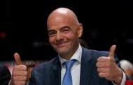 رئيس الفيفا يُشِيد بالتزام جلالة الملك لفائدة تطوير كرة القدم الوطنية