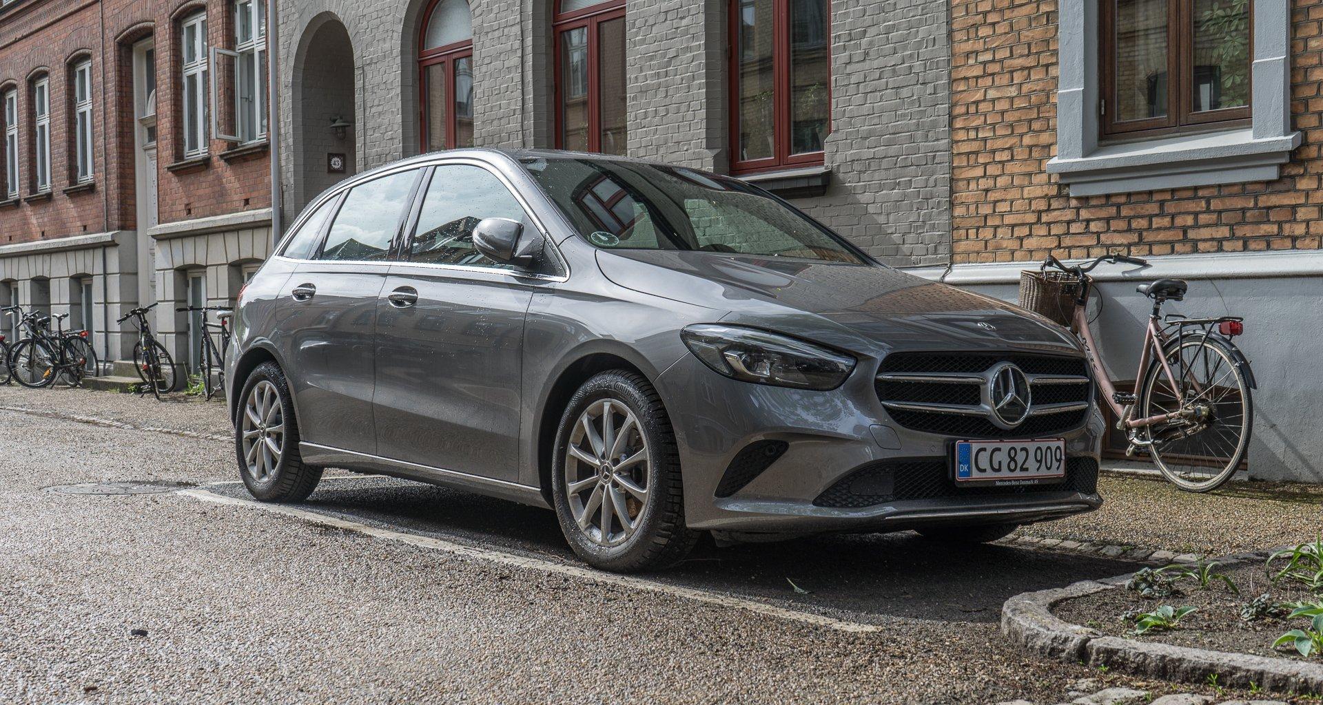 Mercedes-Benz B 180 forfra