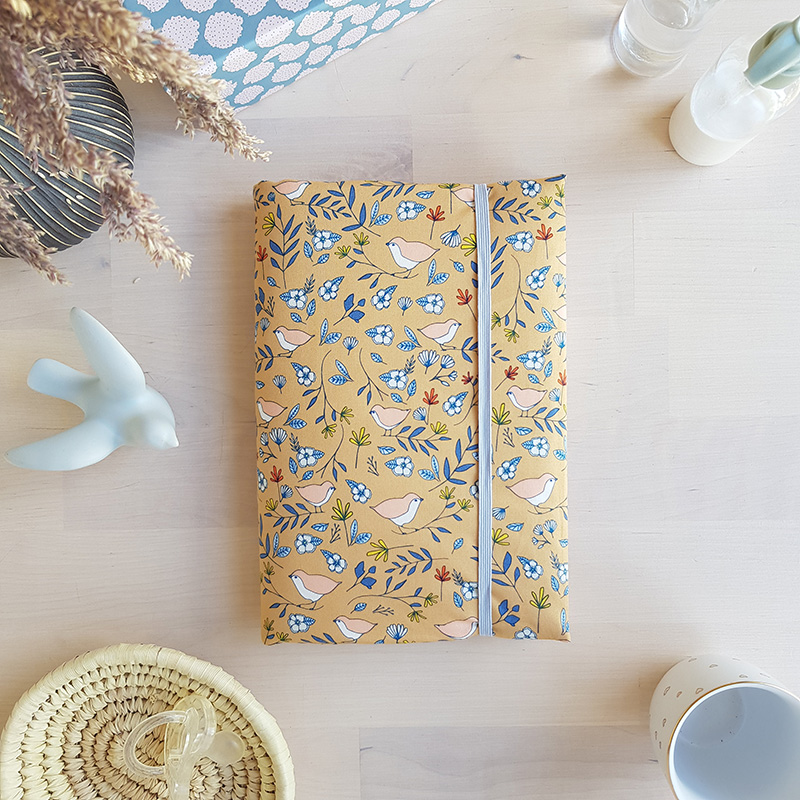 protege carnet sante createut fait main made in france fabrication francaise cadeau bebe camel oiseau bilboquet