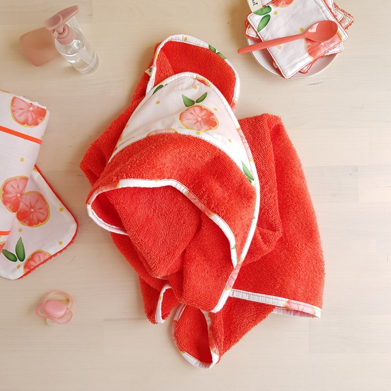 cape de bain sortie serviette pamplemousse corail orange rouge cadeau naissance bebe fille createur made in france lyon bilboquet