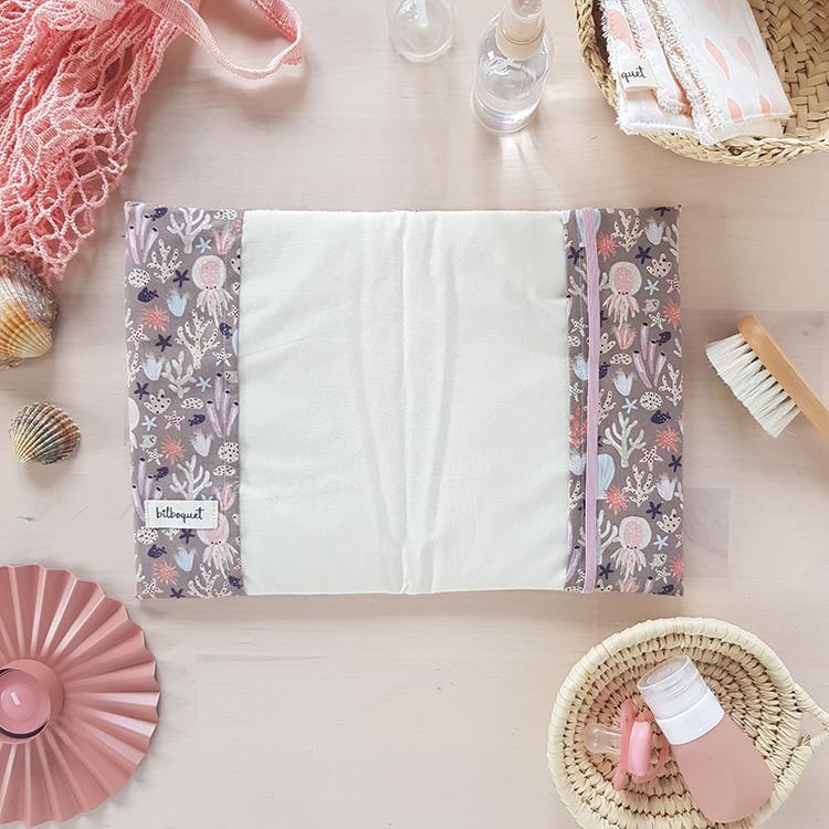 cadeau naissance bebe fille lyon oekotex housse protege carnet rose violet createur lyon bilboquet