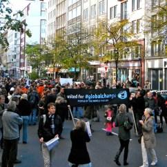 """auftakt von """"occupy wallstreet"""" in dusseldorf"""