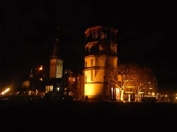 Düsseldorf Altstadt - am Schloßturm in der Nacht