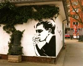 streetart auf dem friedensplätzchen - düsseldorf / bilk
