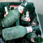 Pfandringe um die Mülltonnen - Pfand gehört daneben