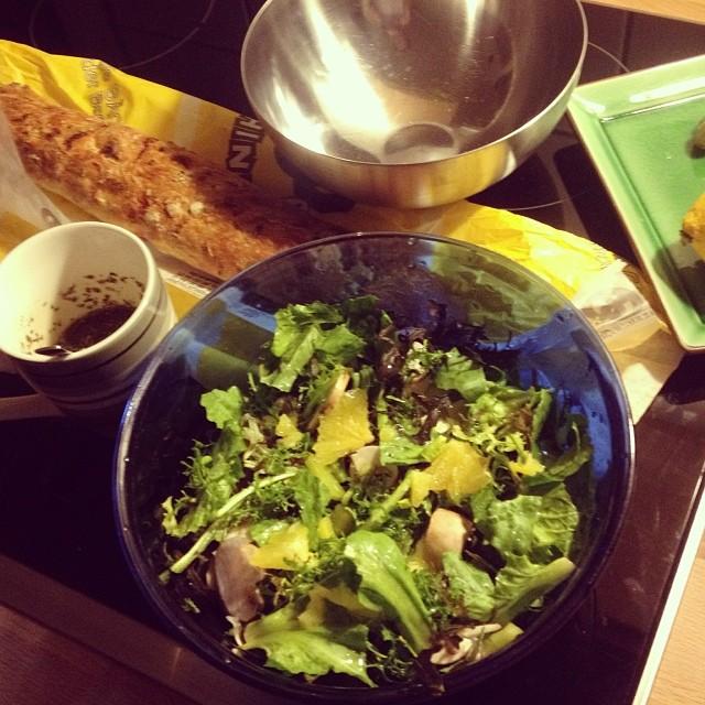 Wintersalat mit Champignons und allem gesunden was dringend vor den Feiertagen noch weg musste :-)