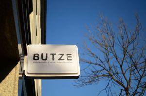 butze