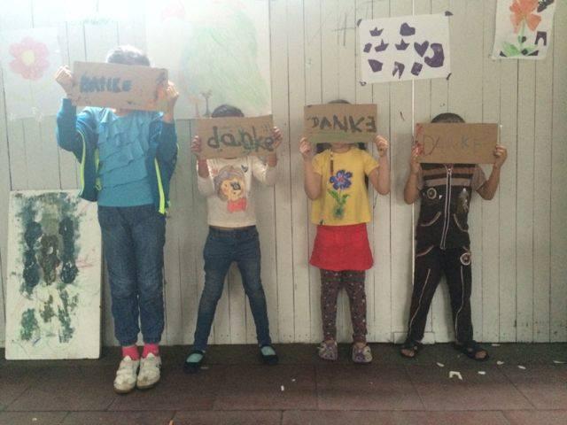 Die KUNST Flüchtlingskinder WILLKOMMEN zu heissen!
