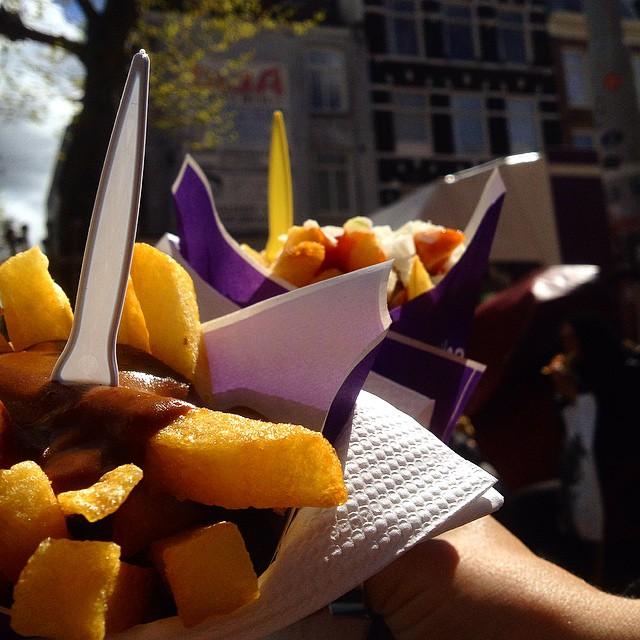 Wünsch mir gerade einen Kurzurlaub, so mit Pommes aus der Tüte und in der Sonne sitzen...