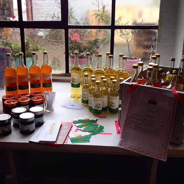 Frischen Apfelsaft bei TasteGreece getestet und auch noch Rotwein und Olivenöl geholt - also ein ganz normaler Samstag.