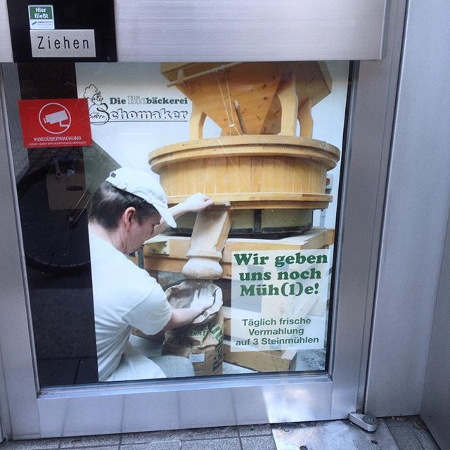 Und auf der Bilkerallee 79 eröffnet am 7. Januar eine weitere Brot/Brötchen Verkaufsstelle - KultUrBrot. Wir sind gespannt :-)