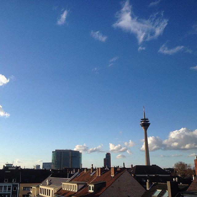 Düsseldorf Helau - und der Himmel spielt auch gerade mit :-)
