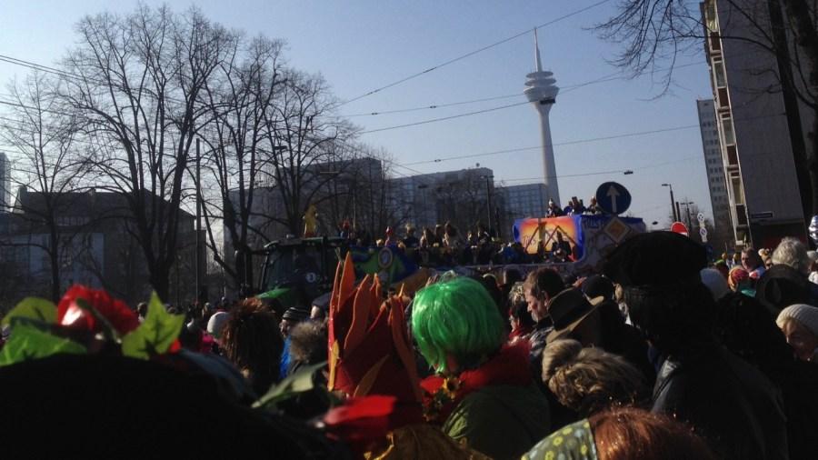 Karneval meint auch : Levve und levve losse!