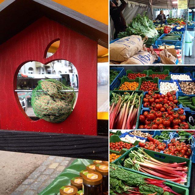 Der kurze Einkauf auf dem Wochenmarkt am Friedensplätzchen :-) Viel leckeres, frisches Gemüse und Kräuter geholt. Leider gab es keinen Bärlauch mehr - egal, dann muss ich wohl selbst in den Wald ;-)