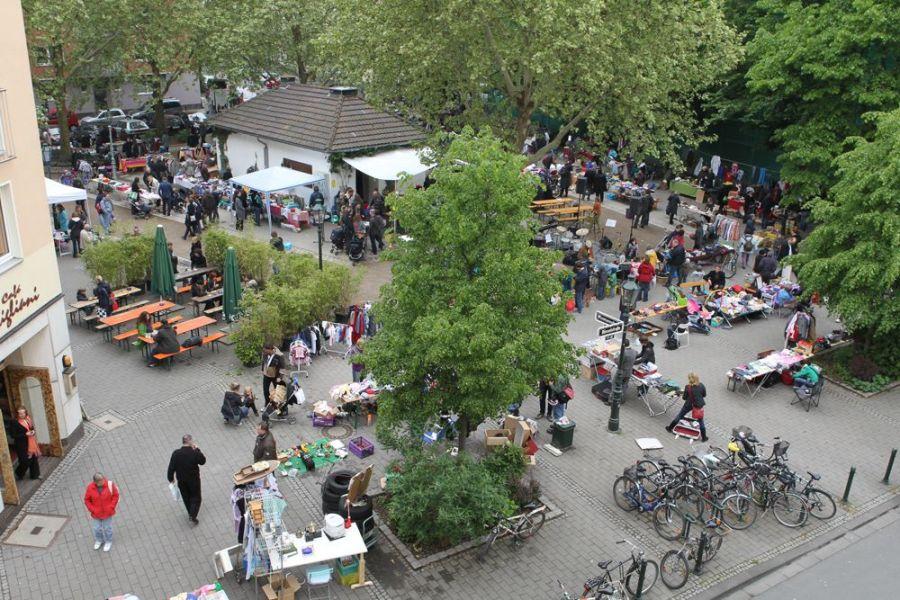 Flohmarkt auf dem Friedensplätzchen