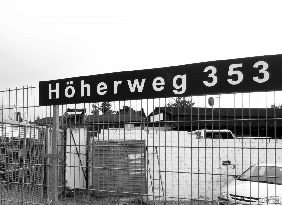 """theycallitkleinparis Rundgang """"Schön von hinten. Der Höherweg"""""""