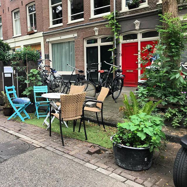 Parkplätzen in kleine Oasen für die Nachbarschaft verwandeln