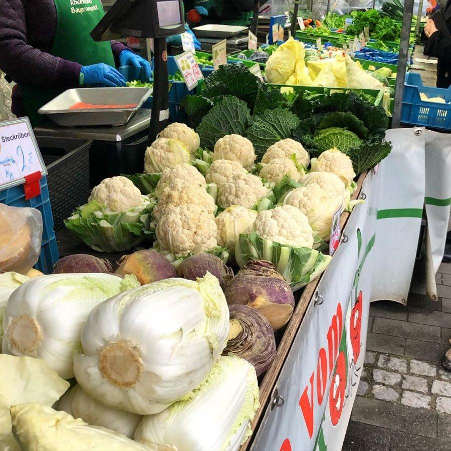Kleine Service Info: Diesen Freitag kann man endlich wieder auf dem Bauernmarkt auf dem Friedensplätzchen einkaufen gehen :-)