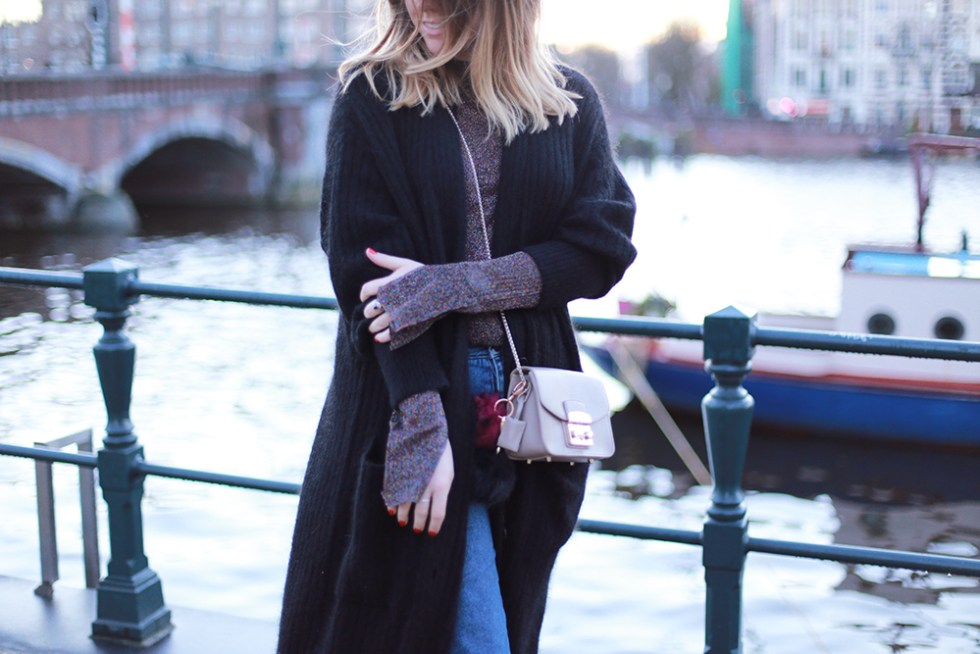 billie-rose-blog-outfit-hm-trend-cardigan-topshop-boots-amsterdam-mom-jeans-8