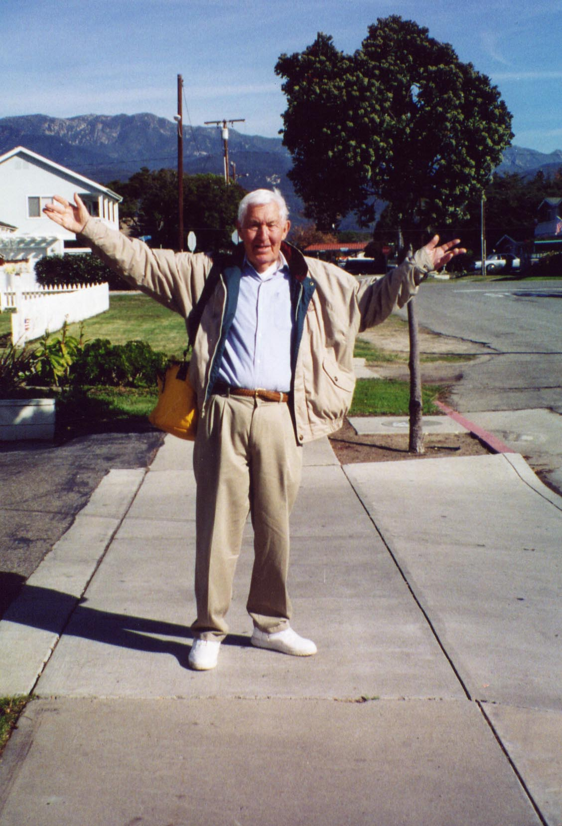 Bill Kaysing Tribute Website - BillKaysing.com