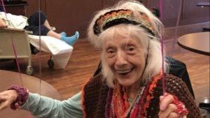 ABD'de 102 yaşındaki kadın ikinci kez koronayı yendi