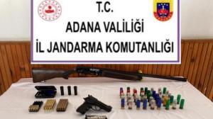 Adana'da bir evde ruhsatsız silahlar bulundu