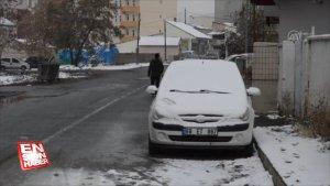Ağrı Eleşkirt'te kar yağışı