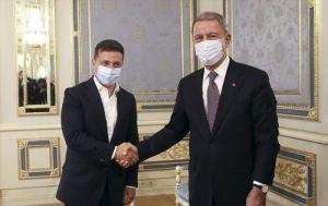 Akar, Kiev'de Ukrayna lideri Zelenskiy ile işbirliğini görüştü